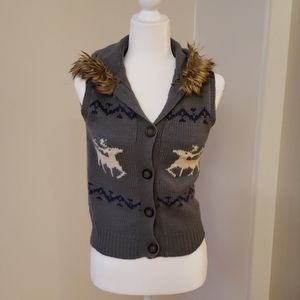Reindeer vest with fur trim hood 80% wool small